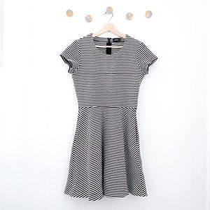 Kate Spade Saturday Fit and Flare Stripe Dress | M